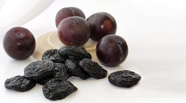 Ce varietăți de prune sunt potrivite pentru a face prune, și cum să-l facă acasă